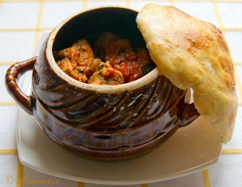 Свинина в горшочке по-гуцульски. Украинская кухня