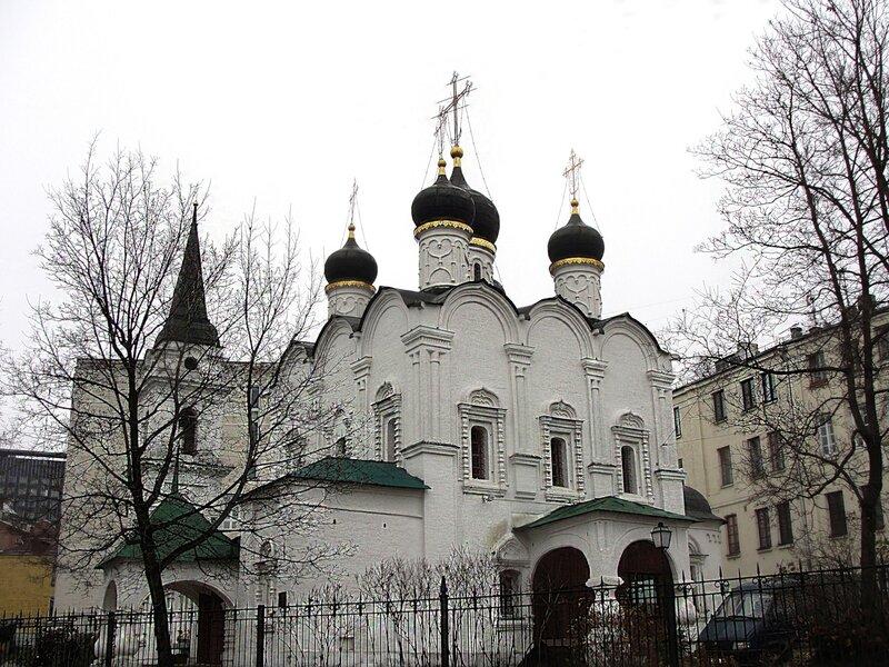 Владимирская церковь в старых садах