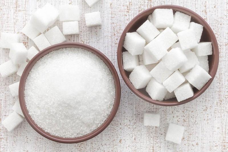 22. Старайтесь употреблять как можно меньше сахара Сахар — это главный враг фигуры и крепкого здоров