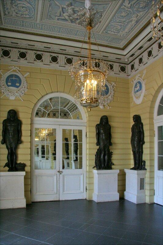 Павловский дворец, Египетский вестибюль
