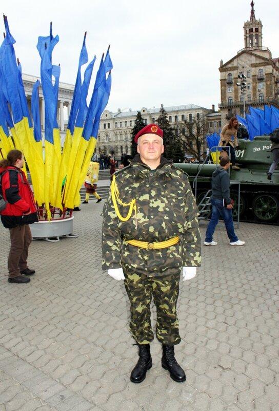 Почетная охрана выставки военной техники