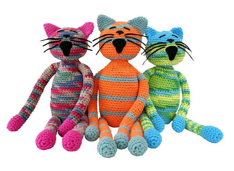 Вязаные коты.