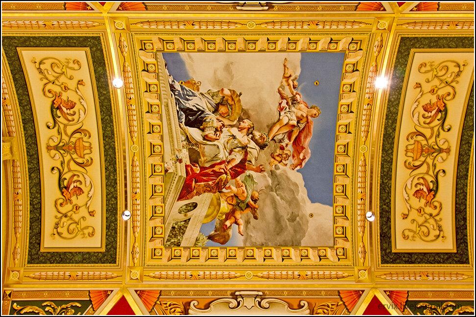 Роспись потолка в казино Венеция
