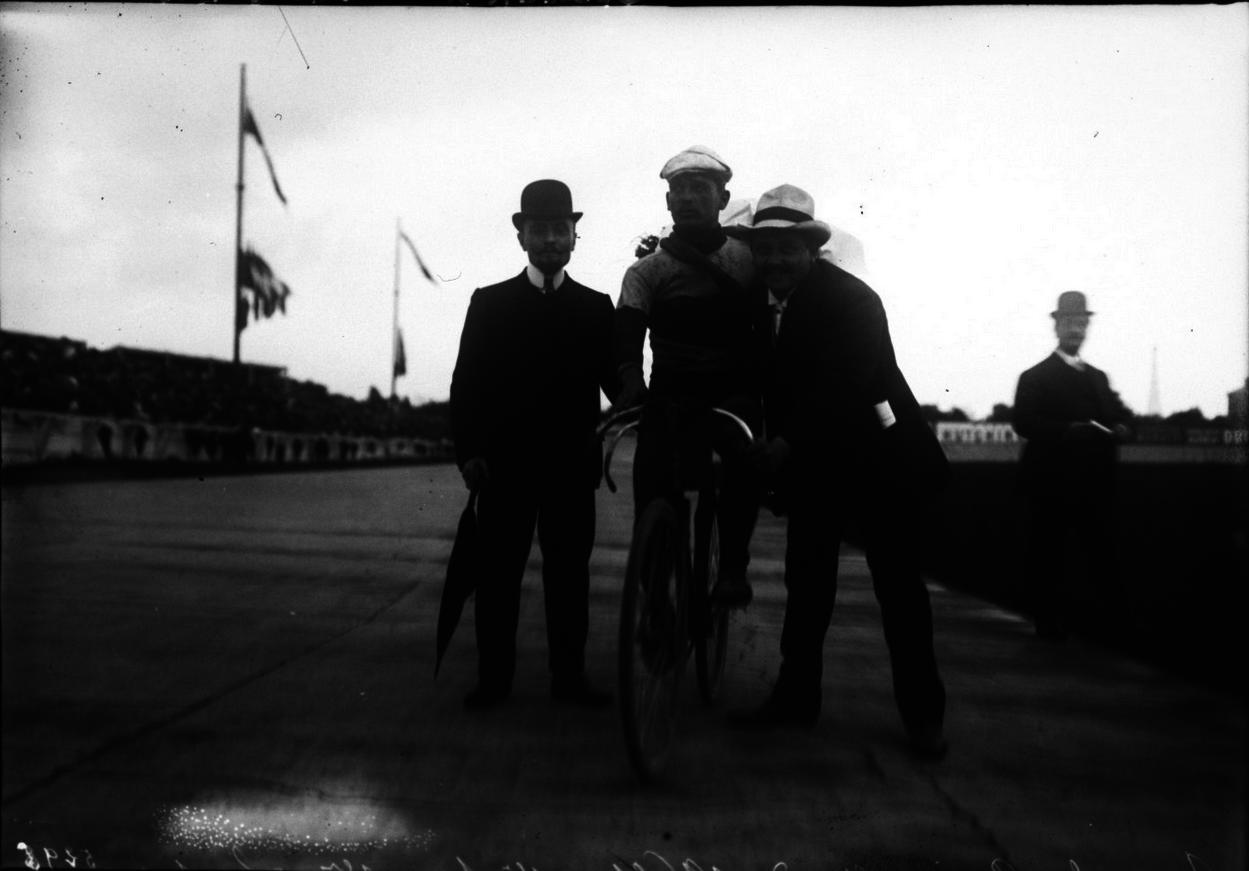 1909. Парк де Пренс, 15 этап Гран При Вольбер