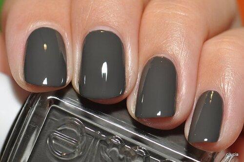 Фото ногтей с гель лаком серого цвета