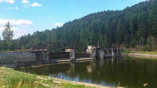 Электростанция Пороги фото плотины с сверху