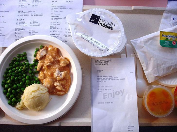 1. Сидней, Австралия: тыквенный суп, тушеная курица с абрикосами, зеленый горошек, картофельное пюре