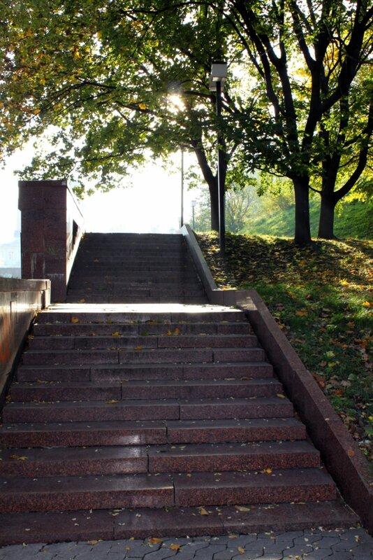 Лестница к каскаду