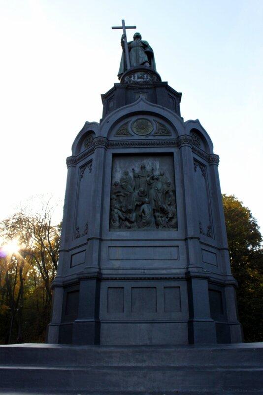 Памятник Владимиру на Владимирской горке