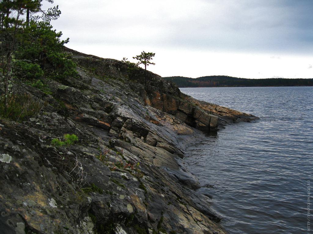 Остров Соролансари, Якимварский залив