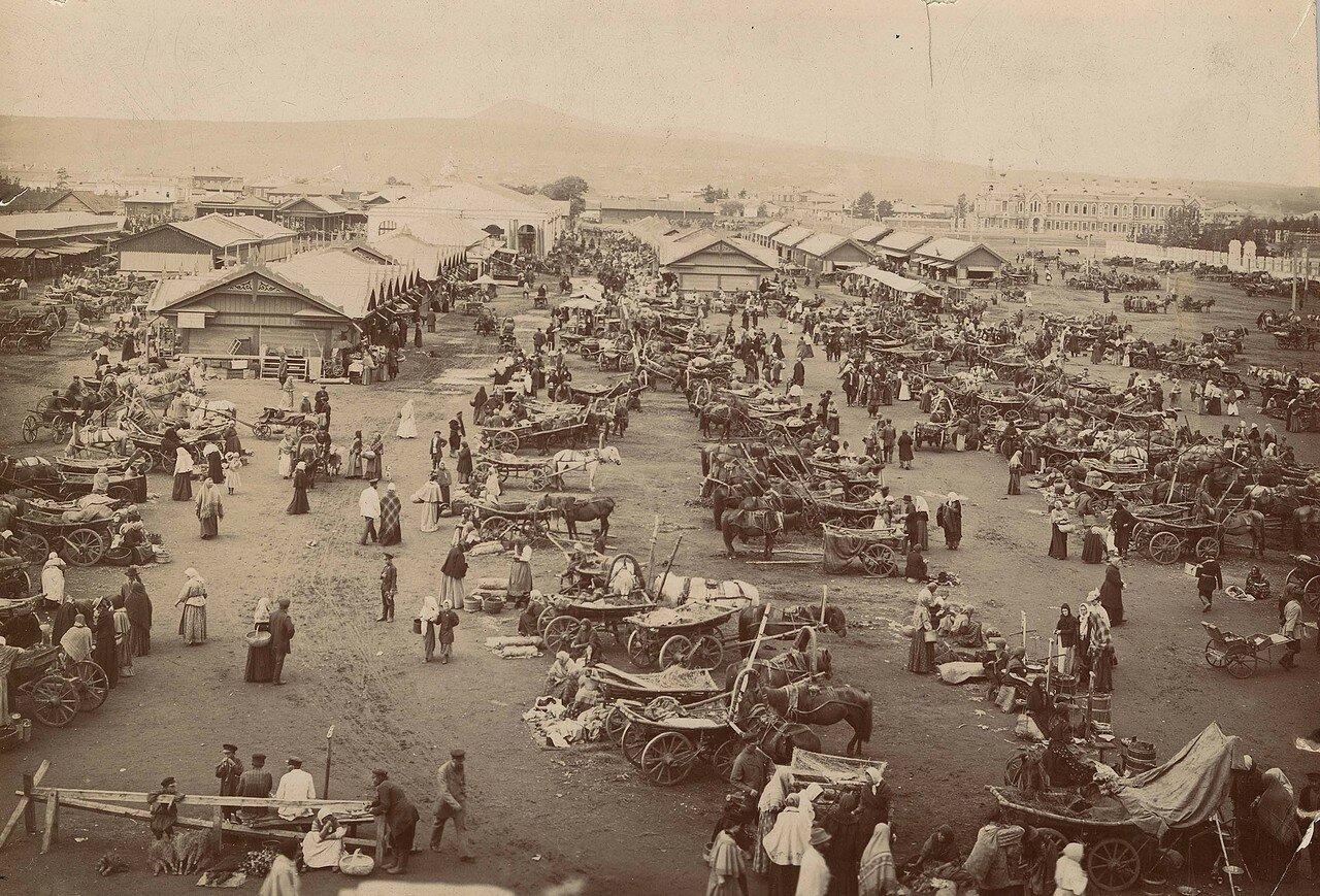 Базар на Ново-базарной площади, 1895