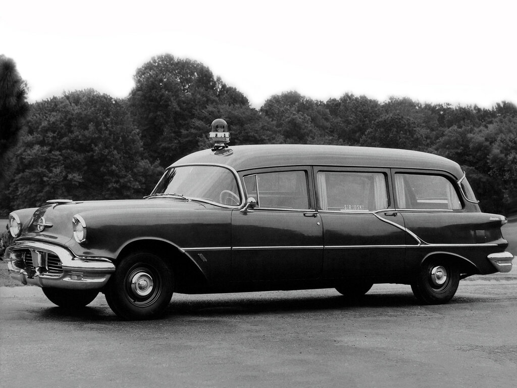 1956_Memphian_Oldsmobile_Ambulance_stationwagon_retro_emergency____f_2048x1536.jpg