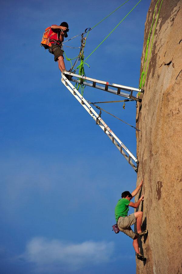 Как снимают скалолазов