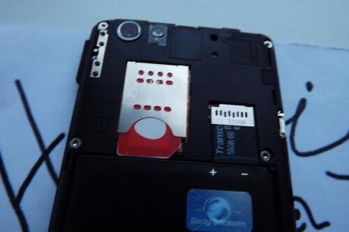 Слот для SIM и microSD