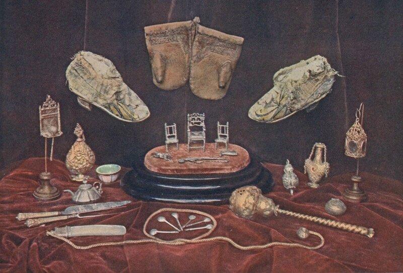 Игрушки и другие предметы, принадлежавшие царю Михаилу Федоровичу во время его детства