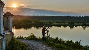 Дочь Ольга за фотосъемкой восхода