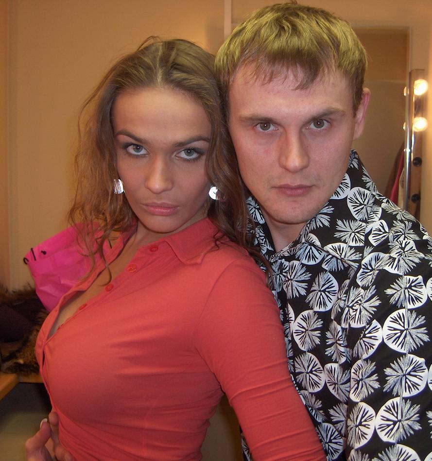 devushka-szadi-drochit-parnyu