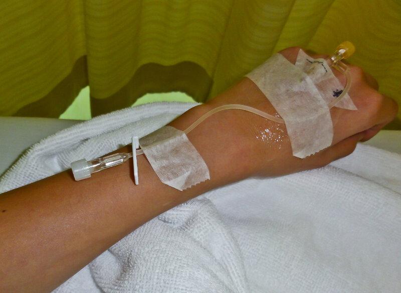 Болят вены на руках после капельницы 126