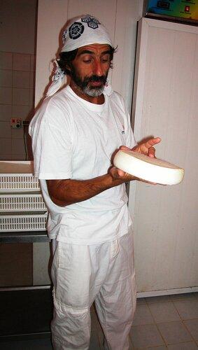 Как делают козий сыр