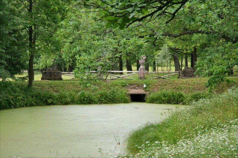 Павловский парк. Нижний Старосильвийский пруд