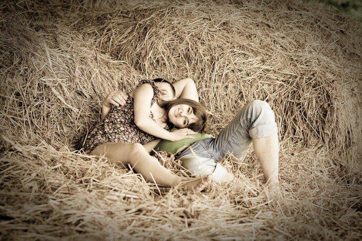 Порно истории жесткого траха молоденькой шлюшки на сеновале