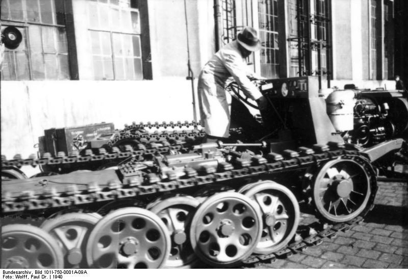Bau von Zugkraftwagen 3t (Sd.Kfz. 11)