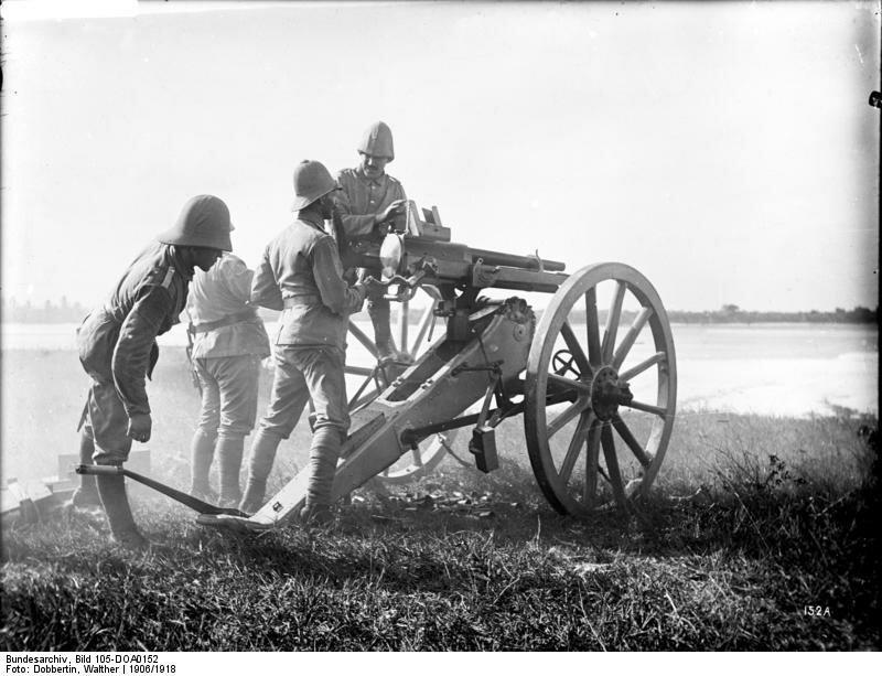 Deutsch-Ostafrika,An der Revolverkanone