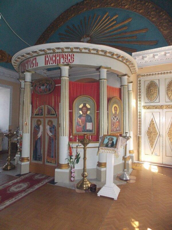 Храм Воскресения Христова с приделом Николая Угодника на погосте Прутня