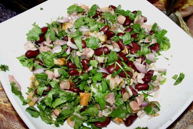 Салат из битых огурцов рецепт