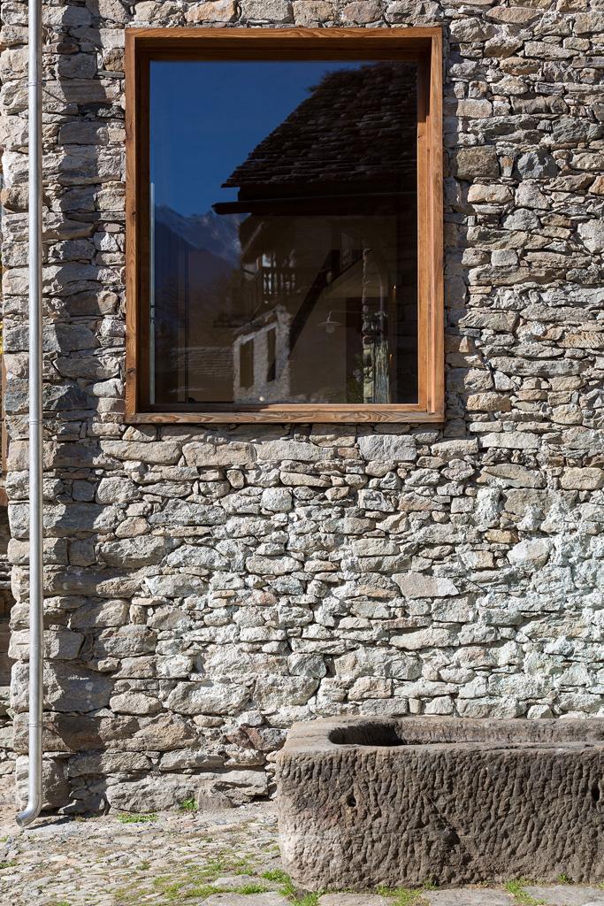 crana_stone_house_italy_vudafieri_saverino-8.jpg