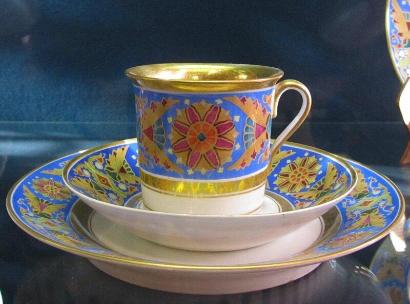 Чашка из готического сервиза