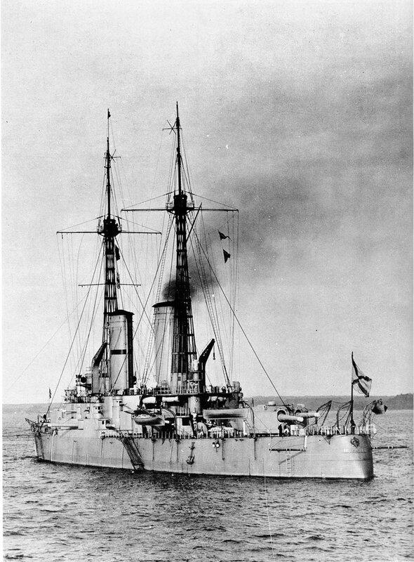 Линейный корабль «Император Павел I» («Республика») в районе Кронштадта, лето 1913 года