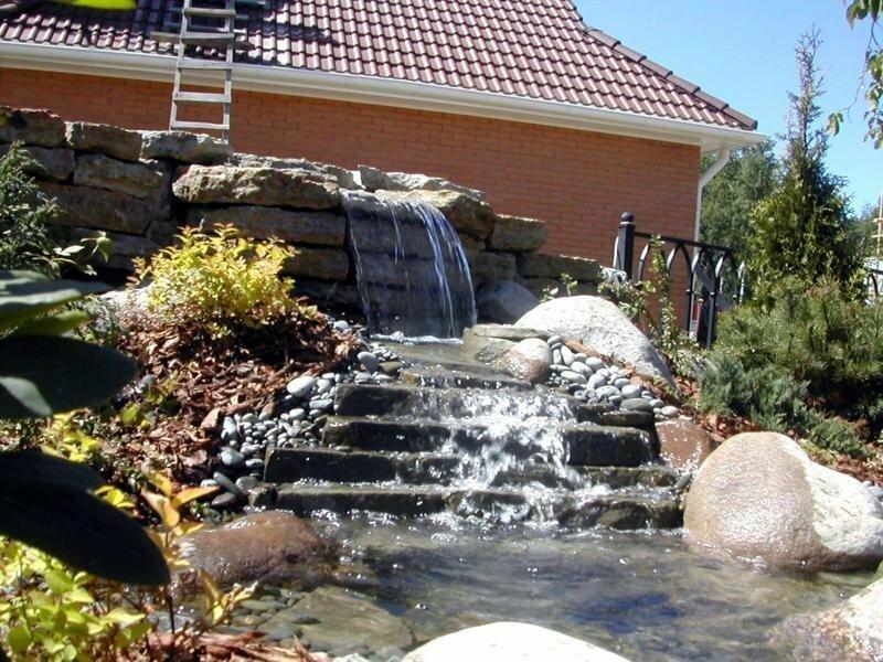 Ландшафтный дизайн с водопадом