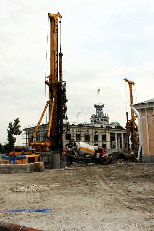 Буровые установки на Почтовой площади
