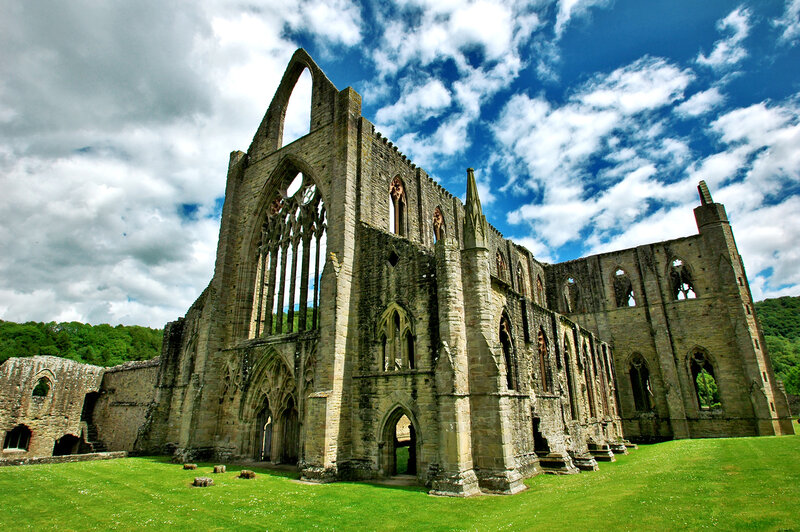 william wordswoth tintern abbey Lines written a few miles above tintern abbey, on revisiting the banks of the wye during a tour, july 13, 1798, commonly called tintern abbey, by william wordsworth was a perfect fit.