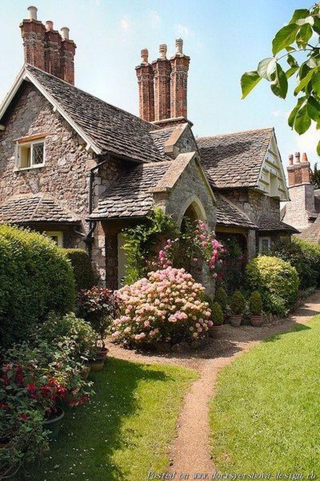 английский коттедж, английский деревенский сад, стиль английского коттеджа, заросший сад английского коттеджа, ландшафтный дизайн, ландшафтная архитектура, цветы, розы, великобритания, архитектура