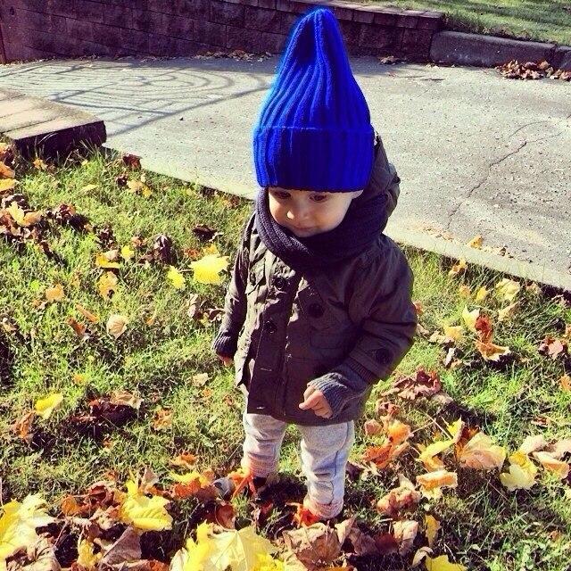 ребенок улица осень отдых дом синий шапка ксения мечта