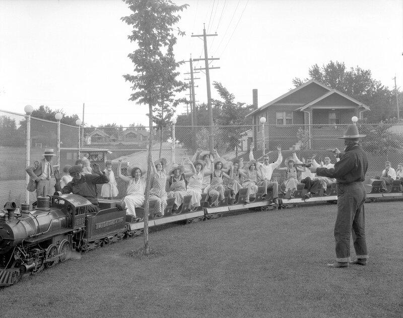 Live steam miniature railroad at Elitch Gardens, Denver, Colorado, between 1920 and 1930