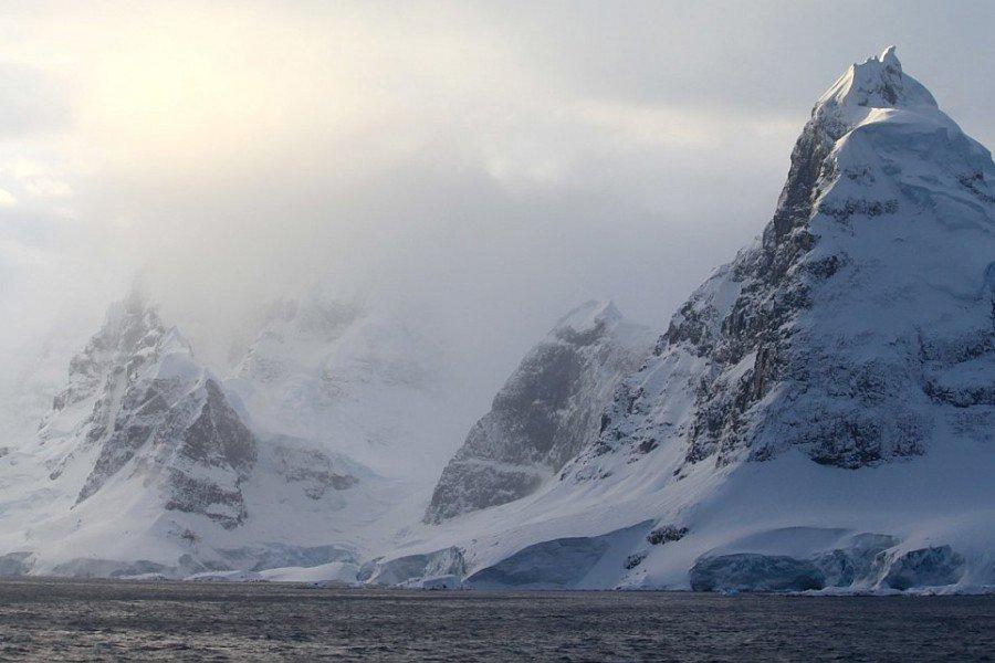 ВАнтарктике найдены замороженные метеориты