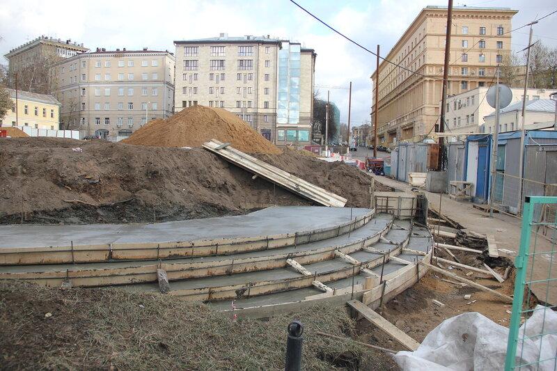 Раьоты по искажению облика Хитровской площади. 2.11.2014