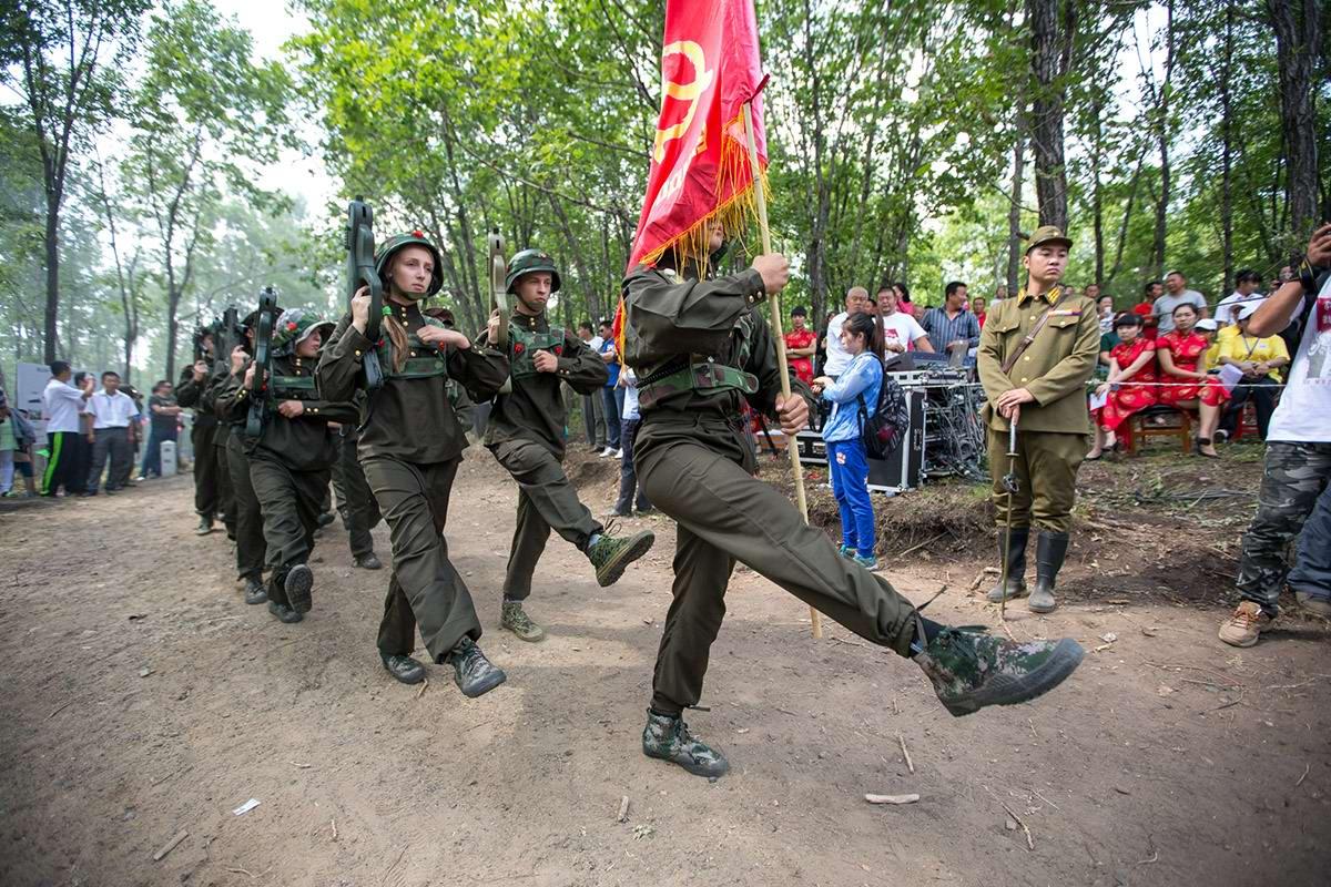 Звездные войны: российские и китайские школьники против японских милитаристов (1)