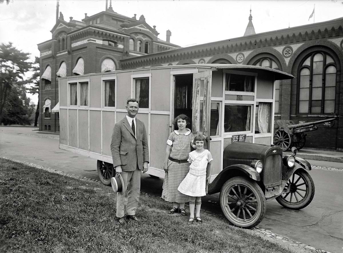 Автобус - авто дом одной американской семьи (Вашингтон, 1924 год)