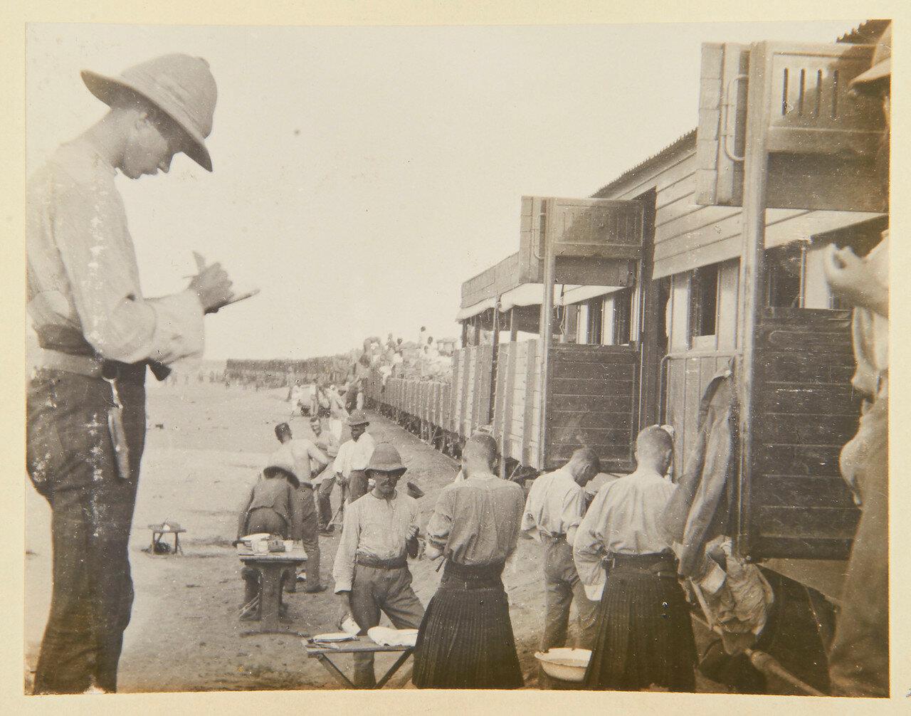 Завтрак Собственного королевского Камерон-хайлендерского полка в Абу-Хамеде, 14 сентября 1898