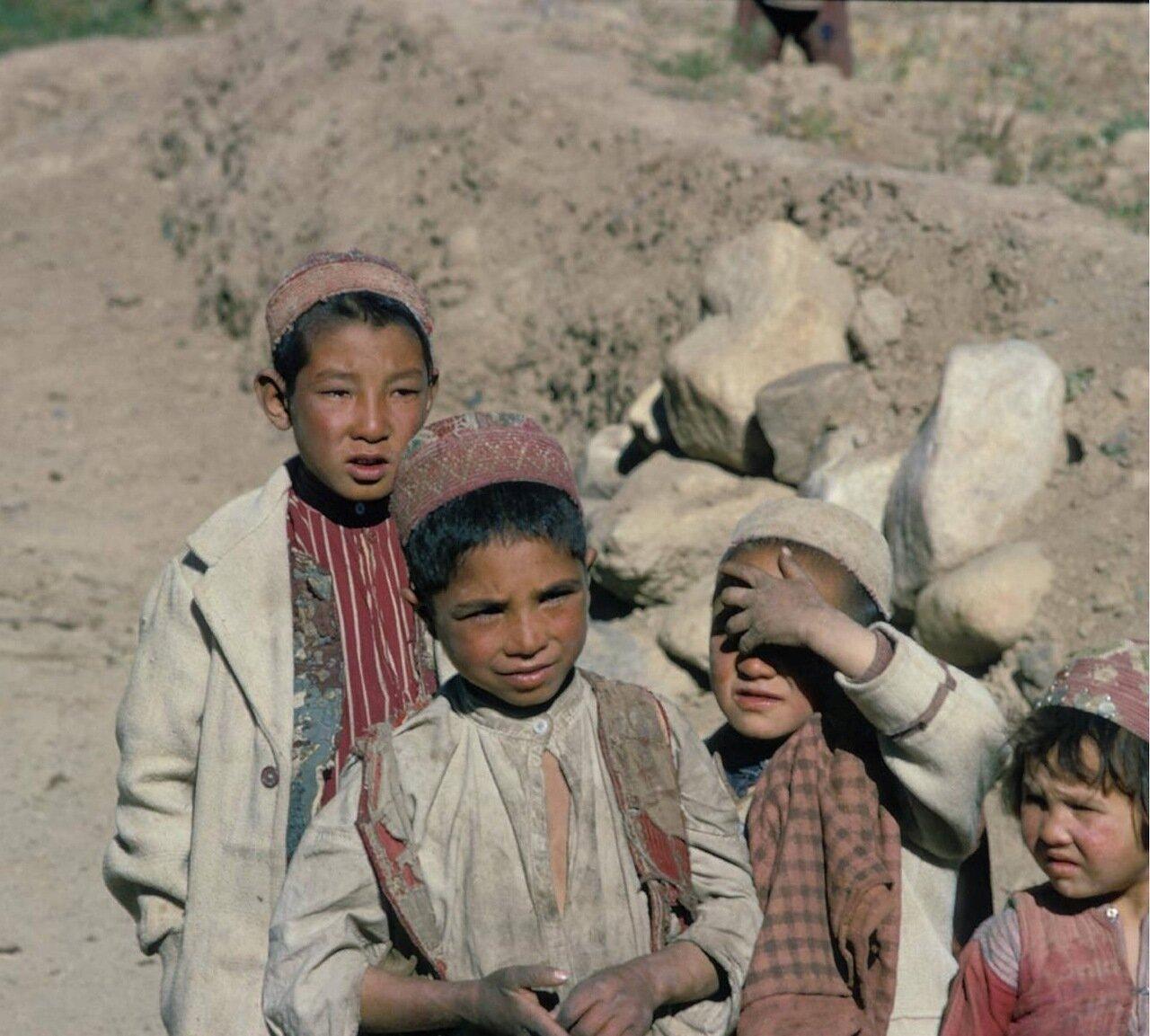Дети из горного села
