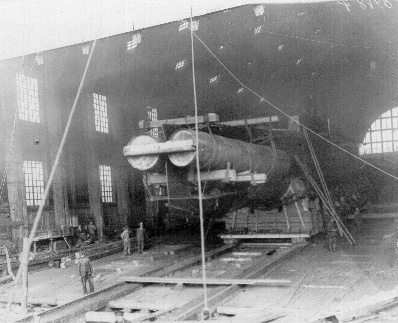 21. Подводная лодка на стапелях.1911