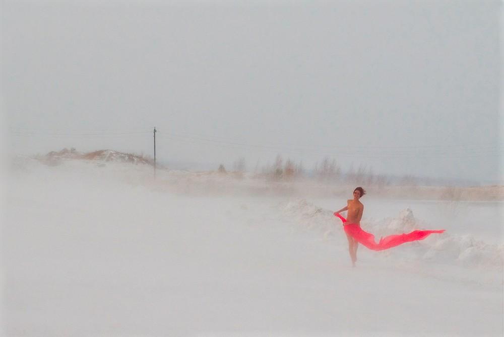 Обнаженные девушки зимой