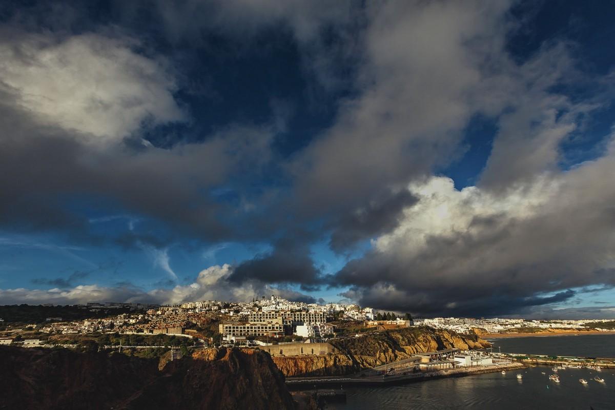 Завораживающая Португалия на снимках Дмитрия Купрацевича