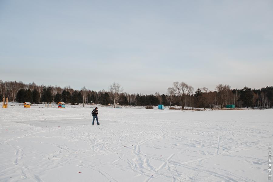 протяжное озеро зимой