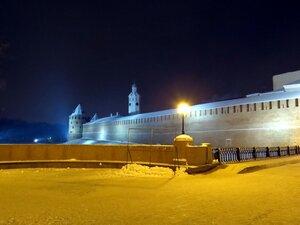 Вечерняя подсветка стен Новгородского Кремля