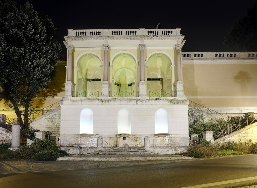 Ночной Рим. Фонтан Мостра-дель-Аква-Верджине